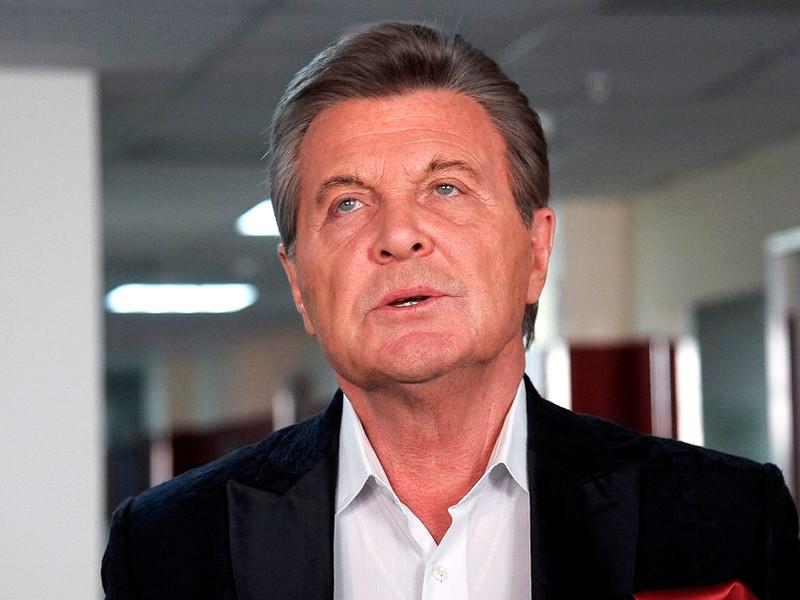 """У Лещенко подтвердился коронавирус. У артиста двустороннее воспаление легких, он в реанимации, но """"состояние без осложнений"""""""
