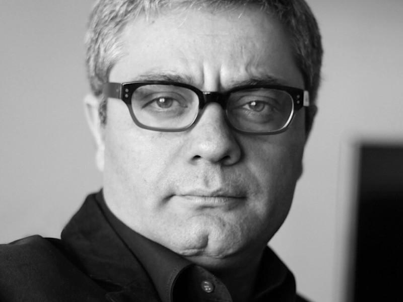 """Иранскому режиссеру Мохаммаду Расулофу, получившему """"Золотого медведя"""" на недавнем Берлинском кинофестивале, пришло уведомление от властей Ирана о необходимости отбывания тюремного заключения, сообщил АР адвокат режиссера Насер Зарафшан"""