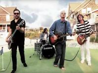 Адам Шлезингер был одним из основателей группы Fountains of Wayne, игравшей музыку на стыке пауэр-поп, инди и альтернативного рока