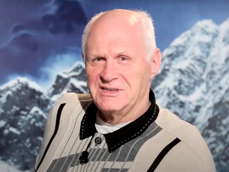 От коронавируса умер писатель-сатирик Анатолий Трушкин