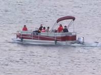 По данным офиса шерифа округа Вентура, 33-летняя актриса, сыгравшая в Glee роль Сантаны Лопез, арендовала лодку в среду вечером. Сын Риверы был найден в лодке спящим, на нем был спасательный жилет. Мальчик рассказал, что они плавали вместе, но его мама на лодку не вернулась