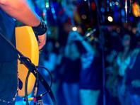 """Ожидается, что в концерте примут участие Андрей Макаревич, Алексей Кортнев, фронтмен группы """"Тараканы"""" Дмитрий Спирин, Ромарио, группы """"Яуза"""", """"Рабфак"""", а также поэты, художники и режиссеры. Вести концерт должна была журналистка """"Эха Москвы"""" Татьяна Фельгенгауэр"""