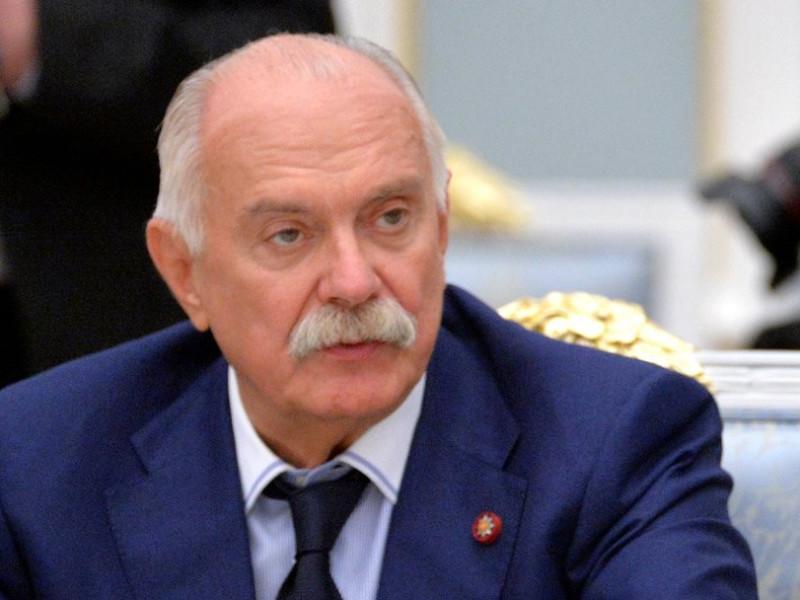 Путин присвоил Никите Михалкову звание Героя Труда в день его 75-летия