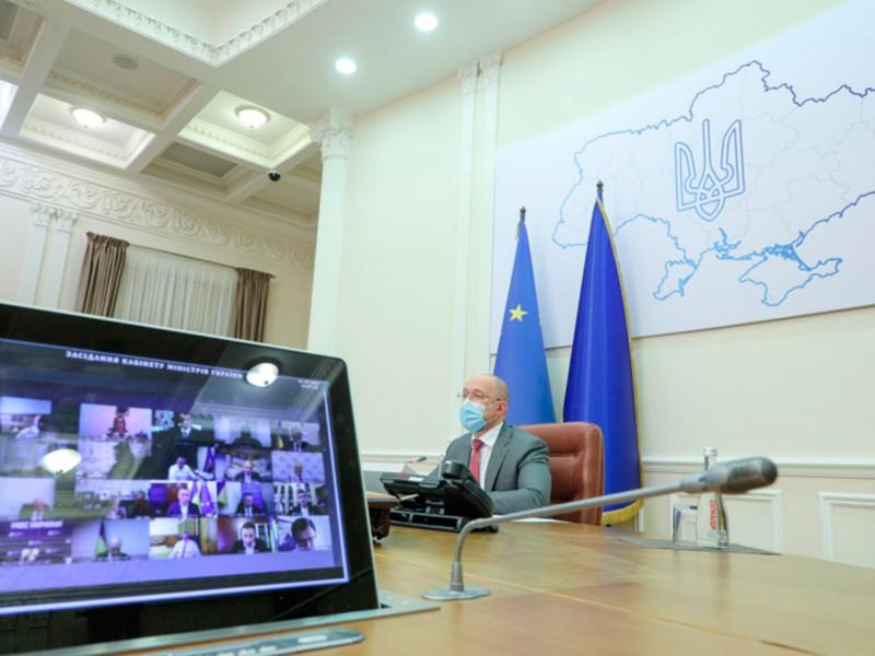 Кабинет министров Украины на заседании в среду внес на рассмотрение Совета национальной безопасности (СНБО) решение о санкциях против 11 деятелей культуры Российской Федерации, им будет запрещен въезд в страну на три года
