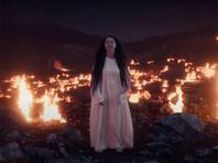 Манижа - российская певица родом из Таджикистана, получившая известность после публикации музыкальных видео в социальных сетях
