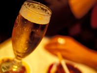 В Ницце арабы избили официантку, продававшую алкоголь в Рамадан