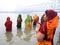 В Индии собираются продавать воду священной реки Ганг через интернет