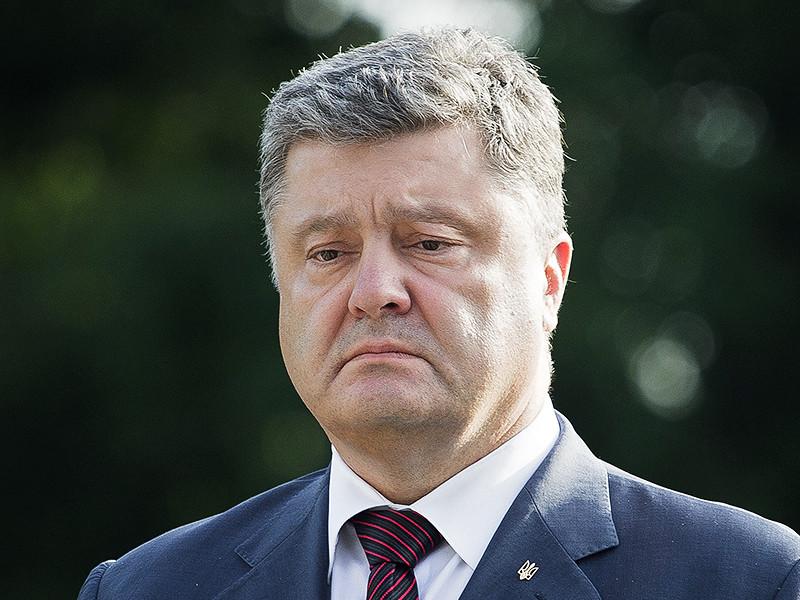 Президент Украины Петр Порошенко попросил Константинополь помочь решить проблему разделения Церкви, которая существует в стране