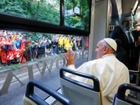 Папа Франциск стал первым понтификом, выбравшим для поездки трамвай
