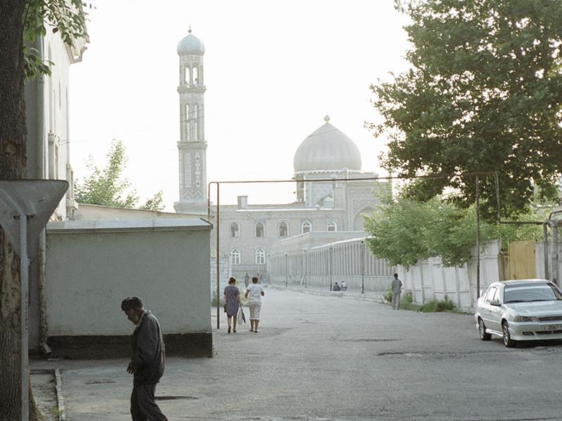 Таджикские чиновники и бизнесмены выплатят милостыню по случаю окончания Рамадана