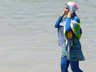 Муниципалитет австрийского городка запретил посещение бассейна в мусульманском купальнике