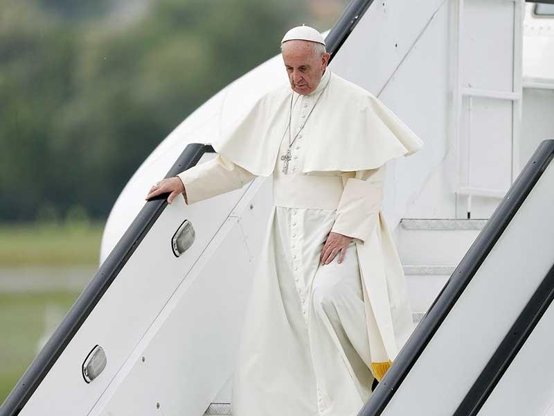 Папа Римский Франциск прибыл с 15-м апостольским визитом в Польшу, где его встречают сотни тысяч верующих со всего мира, принимающих участие в XXXI Всемирных днях католической молодежи (ВДМ)