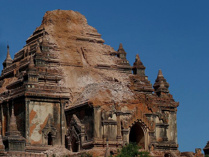 Землетрясение в Мьянме разрушило 190 древних буддийских пагод
