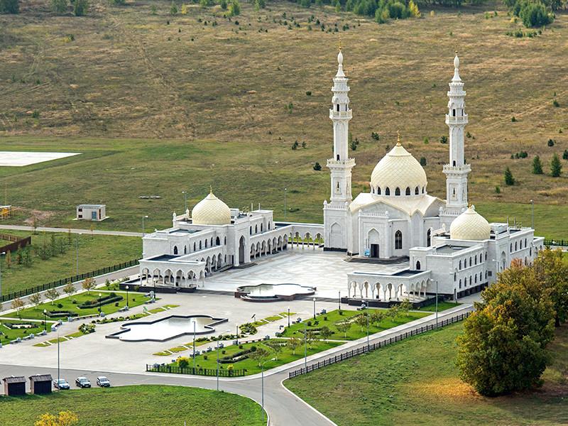 Пленум Духовного управления мусульман Республики Татарстан (ДУМ РТ) принял единогласное решение о том, что пятничные проповеди отныне будут произноситься только на татарском языке