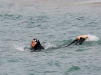 В Ницце полицейские заставили женщину снять часть одежды, которую приняли за буркини