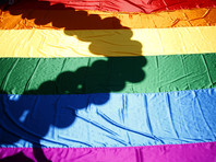 В Финляндии местная евангелическо-лютеранская церковь на проходящем в городе Йоэнсуу собрании епископов приняла решение о том, что не будет венчать однополые пары, которые со следующего года получат возможность сочетаться законным браком