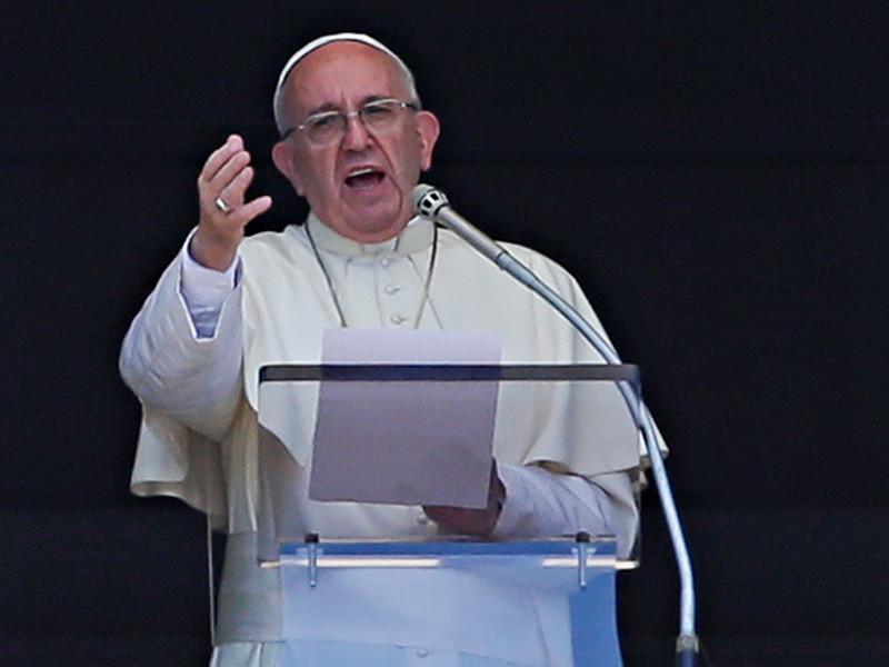 Понтифик приветствовал команду беженцев на Олимпиаде и назвал неприемлемыми жертвы среди мирного населения в Сирии
