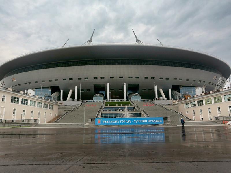 """На стадионе """"Зенит-Арена"""" прошел молебен о благополучном завершении долгостроя"""