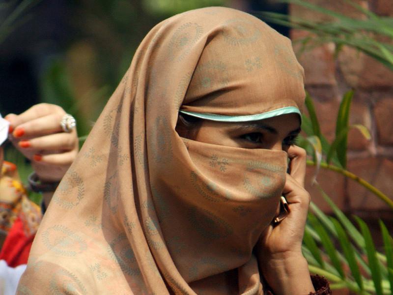 В Норвегии владелица парикмахерской попала под суд из-за отказа обслужить клиентку, пришедшую в ее салон в мусульманском головном уборе хиджаб