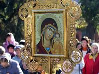 В Петербурге прошел водный крестный ход за запрет абортов