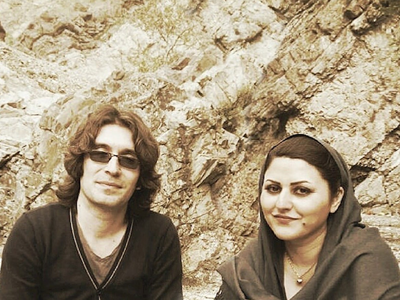 """Иранскую писательницу и правозащитницу Голрох Эбрахими Ираи приговорили к шести годам тюрьмы за рассказ о забивании женщин камнями. Мужа активистки приговорили к 15 годам тюрьмы за """"распространение пропаганды против системы"""" и """"оскорблении основателя Исламской Республики Иран"""""""
