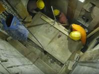 Под мраморной плитой в храме Гроба Господня, защищавшей погребальный камень Христа, обнаружили множество фрагментов (ВИДЕО)