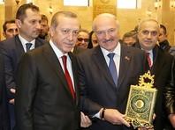 Кафир Лукашенко, поцеловавший Коран на открытии мечети в Минске, заявил, что должен был это сделать вслед за другом Эрдоганом