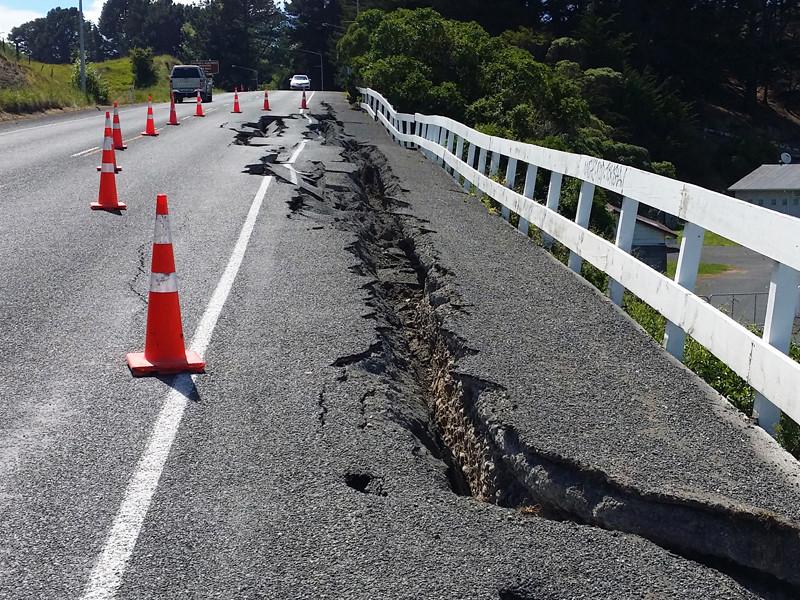 Священник из Новой Зеландии возложил ответственность за землетрясения на геев