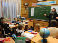 В столичной школе вместо второго иностранного языка втихомолку внедрили изучение православия