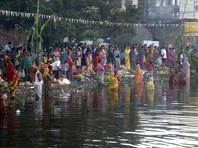 Более 20 человек погибли в Индии во время праздника поклонения богу солнца