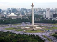 100 000 индонезийских мусульман приняли участие в митинге против христианского губернатора Джакарты