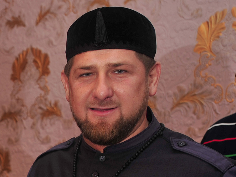 Глава Чечни Рамзан Кадыров вступил в заочную полемику с министром образования и науки РФ Ольгой Васильевой в связи с ее высказываниями о ношении хиджабов в российских школах и судебных решениях по этому вопросу