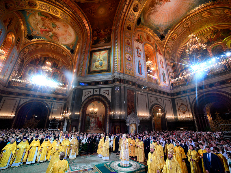 Рождественское богослужение в храме Христа Спасителя