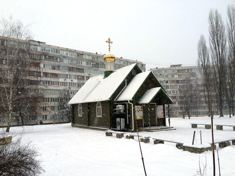 Неизвестные в понедельник попытались поджечь храм в честь святителя Петра Могилы Украинской православной церкви Московского патриархата в Киеве