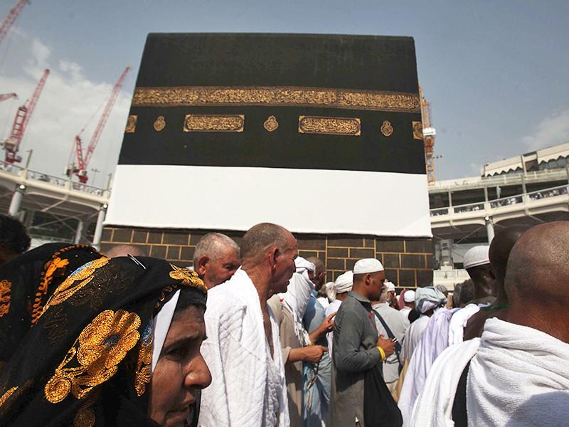 Неизвестный попытался сжечь себя возле священной для мусульман Каабы
