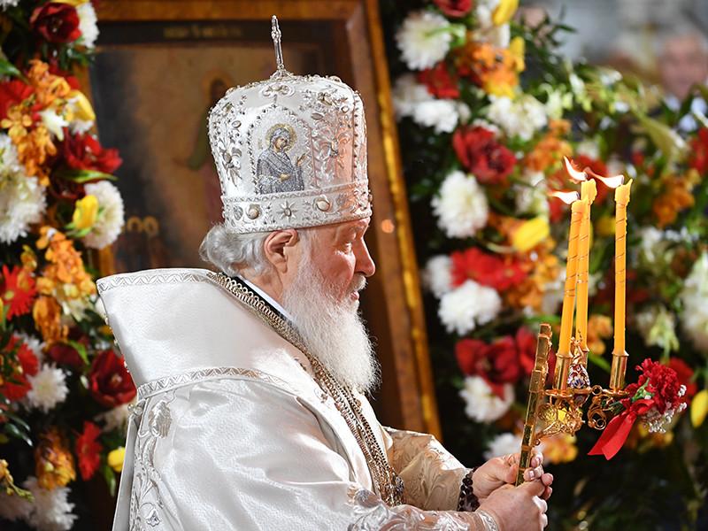 В храме Христа Спасителя началась праздничная ночная пасхальная служба