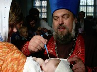 """Родители пермского мальчика Люцифера возмущены его тайным крещением - для них это """"нож в спину"""""""