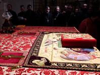 Божественная литургия у мощей святителя Николая Чудотворца в крипте Базилики Свт. Николая в Бари