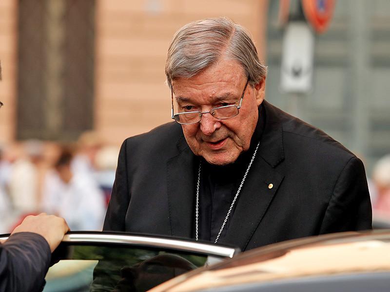 Кардинал Джордж Пелл, старшее должностное лицо в католической церкви Австралии и третий человек в Ватикане, подозревается в многочисленных сексуальных преступлениях