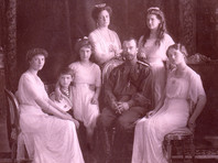 Последний российский император Николай II отрекся от престола 2 марта 1917 года. Вместе с семьей он был расстрелян в ночь с 16 на 17 июня 1918 года в Екатеринбурге