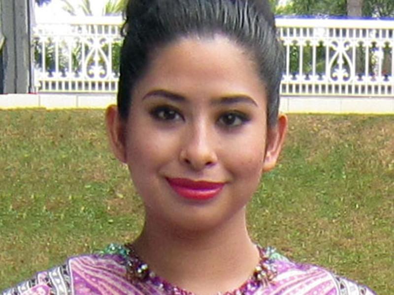 Принцесса Тунку Тун Амина Маймунах Искандариах является единственной дочерью султана Джохора