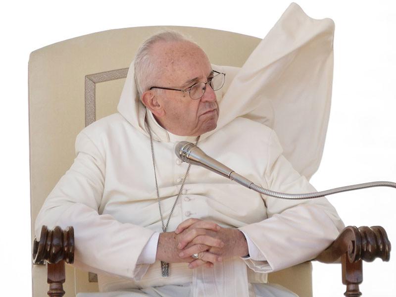 Папа Римский Франциск отказал священникам-педофилам в праве на прощение