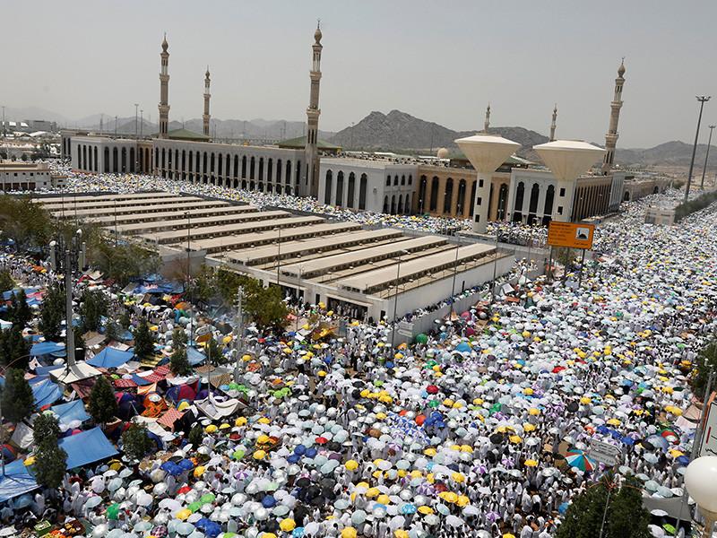 В Саудовской Аравии подсчитали погибших во время хаджа паломников