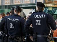 В Австрии, где запретили носить бурку и никаб в общественных местах, мужчину оштрафовали за костюм акулы