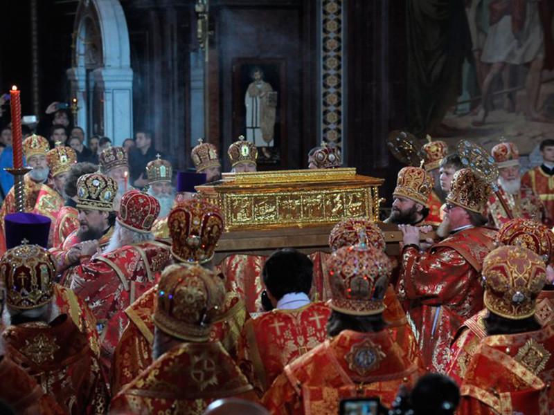Если эта версия подтвердится, окажется, что весной в Россию привозили для поклонения вовсе не мощи Николая Угодника