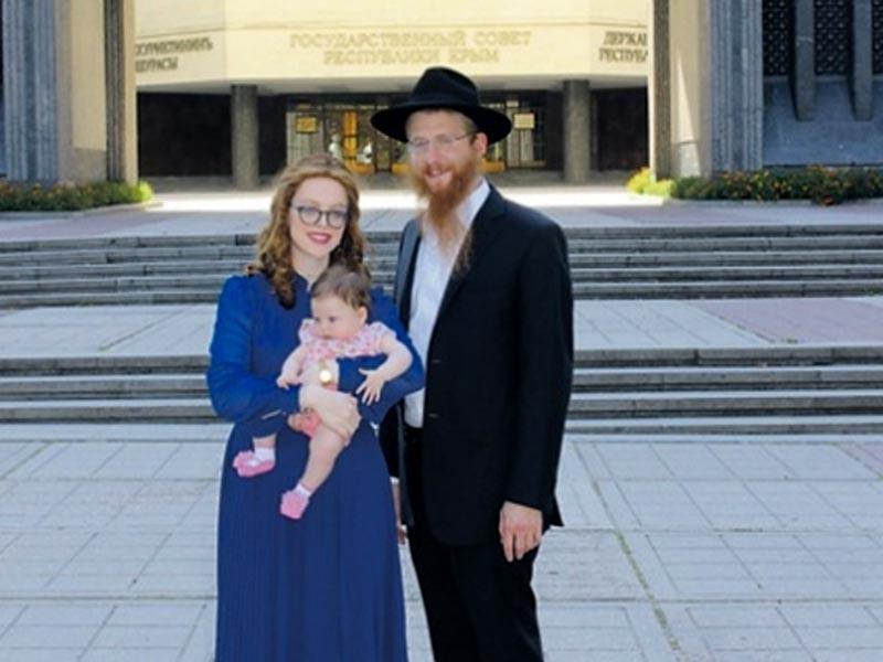 """Йехезкель Лазар будет проживать в Крыму. """"Я здесь теперь живу с женой и дочерью. Мы здесь будем жить до тех пор, пока все евреи не уедут в Израиль, когда придет Машиах"""""""