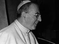 Папа Иоанн Павел I, который всего 33 дня 1978 года занимал Святой престол и скончался при таинственных обстоятельствах, стал на один шаг ближе к святости, объявил Ватикан