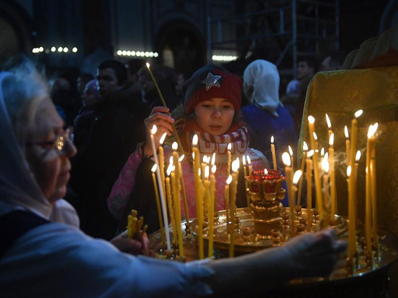 64% россиян относят себя к православию и столько же доверяют РПЦ, показал соцопрос