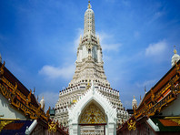Два американца арестованы в Таиланде за фотографии с голыми ягодицами на фоне храма