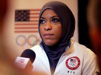 """Кукла Барби примерит хиджаб, """"вдохновившись"""" олимпийской чемпионкой Ибтихадж Мухаммад"""